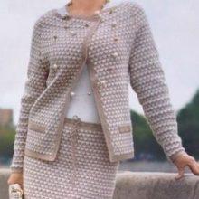 Вязаный костюм в стиле Шанель